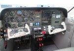 Самолет Beechcraft Duchess BE-76 — кабина пилотов