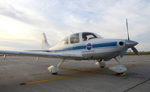 Беспилотный самолет NASA на базе Cirrus SR22